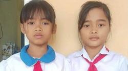 Nhặt được 5 triệu đồng trong chiếc áo cứu trợ lũ lụt, 2 học sinh nghèo ở Quảng Trị nhờ trường trả lại
