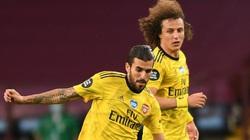 """Nội bộ Arsenal """"nổi sóng"""": David Luiz đánh vỡ mũi Ceballos"""