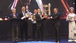 Văn Quyết, HLV Trương Việt Hoàng tỏa sáng tại V.League Awards 2020