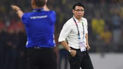 """Bị ĐT Việt Nam cho """"hít khói"""", HLV ĐT Malaysia vẫn cố """"chơi chiêu"""""""