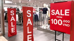 """TP.HCM: Nhiều trung tâm thương mại giảm giá """"khủng"""", tối đa đến 90% dịp Black Friday"""