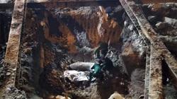"""Đào móng công trình, phát hiện bom """"khủng"""" giữa phố Hà Nội"""