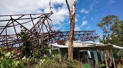 Quảng Ngãi: Ai chịu trách nhiệm vụ pano quảng cáo đè sập 3 nhà dân trong bão số 9?