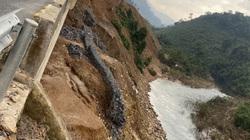 Nhiều tuyến đường ở miền Trung bị hư hại nghiêm trọng do bão lũ