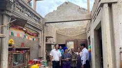 Agribank Quảng Ngãi phối hợp với Bảo hiểm Agribank tặng quà cho các hộ dân bị ảnh hưởng sau bão