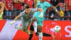 Muangthong United loại Đặng Văn Lâm khỏi danh sách thi đấu FA Cup