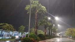 Bão số 10 Goni thay đổi cường độ, gây mưa to ở miền Trung