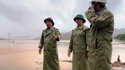 """Bình Định: Lũ dữ bất ngờ """"tấn công"""" nhà điều hành công trình thủy điện Vĩnh Sơn 5"""
