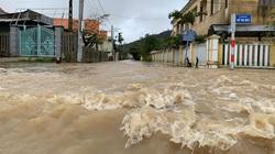 Quảng Ngãi: Bão chồng bão, hàng loạt khu dân cư chìm trong nước