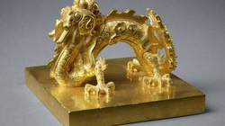 Ấn báu bằng vàng khối, ngọc quý của vua triều Nguyễn có gì đặc biệt?