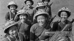 Ảnh lịch sử để đời về các nữ quân nhân Việt Nam