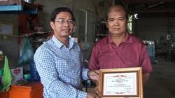Một ông nông dân tỉnh An Giang sáng chế máy thu hoạch bắp liên hoàn được trao Giải thưởng tài năng