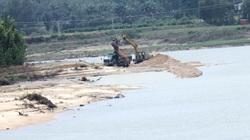 Bất chấp quy định của Chủ tịch tỉnh Bình Định, doanh nghiệp vẫn ngang nhiên khai thác cát