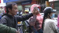 Huế: Cô gái bị cướp giật táo tợn khi đang ngồi xích lô chụp ảnh trên phố