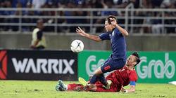 Kiatisak lôi kéo tiền vệ Thái Lan từng chơi xấu Quế Ngọc Hải về HAGL