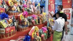 Đón tết 2021: Hàng hoá, giỏ quà Tết đầy ắp siêu thị, khuyến mãi sớm để người dân mua sắm