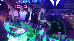 """Đột kích quán karaoke lúc nửa đêm, phát hiện 16 nam - nữ mở """"tiệc"""" ma túy"""