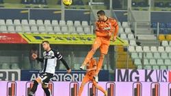 """Juve thắng """"4 sao"""", Ronaldo vượt Ibrahimovic trong cuộc đua Vua phá lưới"""