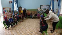 Thầy cô giáo vùng cao Yên Bái chống rét cho học sinh