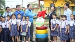 Bình Định: Trao hơn 400 triệu đồng vốn vay để thanh niên đầu tư dự án kinh tế