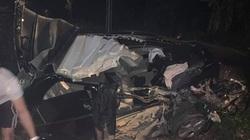Video khoảnh khắc xe con biển xanh đâm xe container lùi từ nhà hàng ra, 2 nạn nhân tử vong