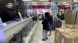 Tivi, điều hòa, tủ lạnh đua nhau giảm giá 'sập sàn', vì sao vẫn ế nặng tại Việt Nam?