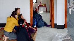 Quảng Bình: 4 mẹ con nghi ngộ độc khí than, 2 con tử vong