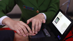 Người không có hộ khẩu Hà Nội cũng được cấp căn cước công dân gắn chip điện tử