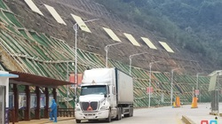 Lạng Sơn: Cho phép xe chở hàng Trung Quốc sang giao hàng tại cửa khẩu