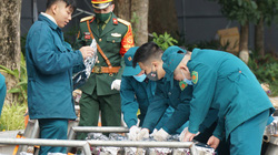 Bên trong trận địa pháo hoa chuẩn bị khai hỏa đón năm mới 2021 tại Hà Nội