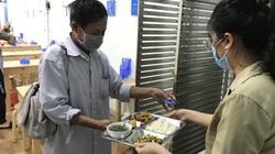 2 quán cơm giá 2.000 đồng có rau, thịt phục vụ bệnh nhân và người nghèo ở Nghệ An