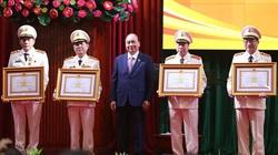 Bốn Thứ trưởng Bộ Công an nhận phần thưởng cao quý