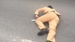 CSGT bị đôi nam nữ vượt đèn đỏ tông gục trên quốc lộ khi đang làm nhiệm vụ