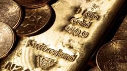 """Giá vàng thế giới """"rơi tự do"""", rẻ hơn giá vàng SJC 950.000 đồng/lượng"""