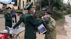 Bộ đội Lạng Sơn tặng 40.000 khẩu trang giúp Trung Quốc chống dịch corona