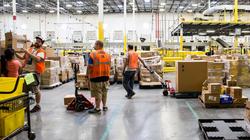 Nhu cầu mua sắm trực tuyến tại Mỹ tăng vọt vì dịch Covid-19, Amazon thuê thêm 100.000 lao động