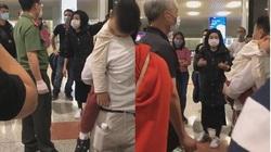 """Clip nữ hành khách to tiếng """"đòi được về nhà cách ly"""" ở sân bay Nội Bài"""