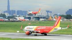 Nghỉ 30/4 - 1/5: Giá vé máy bay tăng cao, người dân có nên mua?