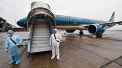 Giữa tâm dịch Covid-19 máy bay Vietnam Airlines gặp sự cố