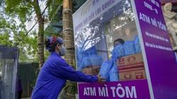 """Sau """"ATM gạo"""", bác sĩ mở """"ATM mì tôm"""" phát 100.000 suất quà cho người nghèo"""