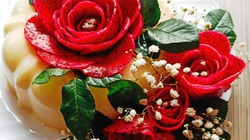 """Mẹ đảm Sài Gòn và đôi bàn tay """"phù thủy"""" biến mọi món ăn thành hoa hồng vô cùng đẹp mắt"""