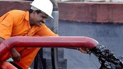 Giá dầu bật tăng 22%