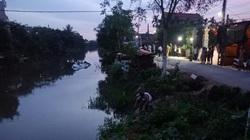 Nam Định: Mất lái, ô tô 7 chỗ lao xuống sông khiến 2 người tử vong