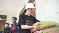 Ca sĩ Đinh Hiền Anh chi gần 1 tỷ làm từ thiện suốt dịch Covid-19