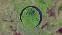 Kỳ bí hòn đảo liên tục di chuyển trong lòng hồ suốt 20 năm
