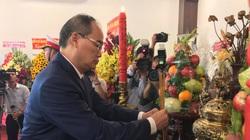 TP.HCM: Dâng hoa, dâng hương kỷ niệm 130 năm Ngày sinh Bác Hồ