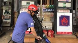 """Giá xăng dầu giảm, doanh nghiệp bán lẻ """"kêu trời"""" vì """"mua đắt, bán rẻ"""""""