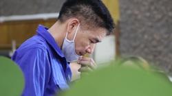 Cựu Giám đốc Sở GDĐT Hoàng Tiến Đức vắng mặt do đang chữa bệnh