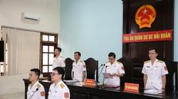 """Tòa tuyên Đô đốc Nguyễn Văn Hiến 4 năm tù, Út """"trọc"""" 30 năm tù"""