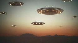 UFO xuất hiện trên bầu trời Anh, người ngoài hành tinh đang theo dõi con người?